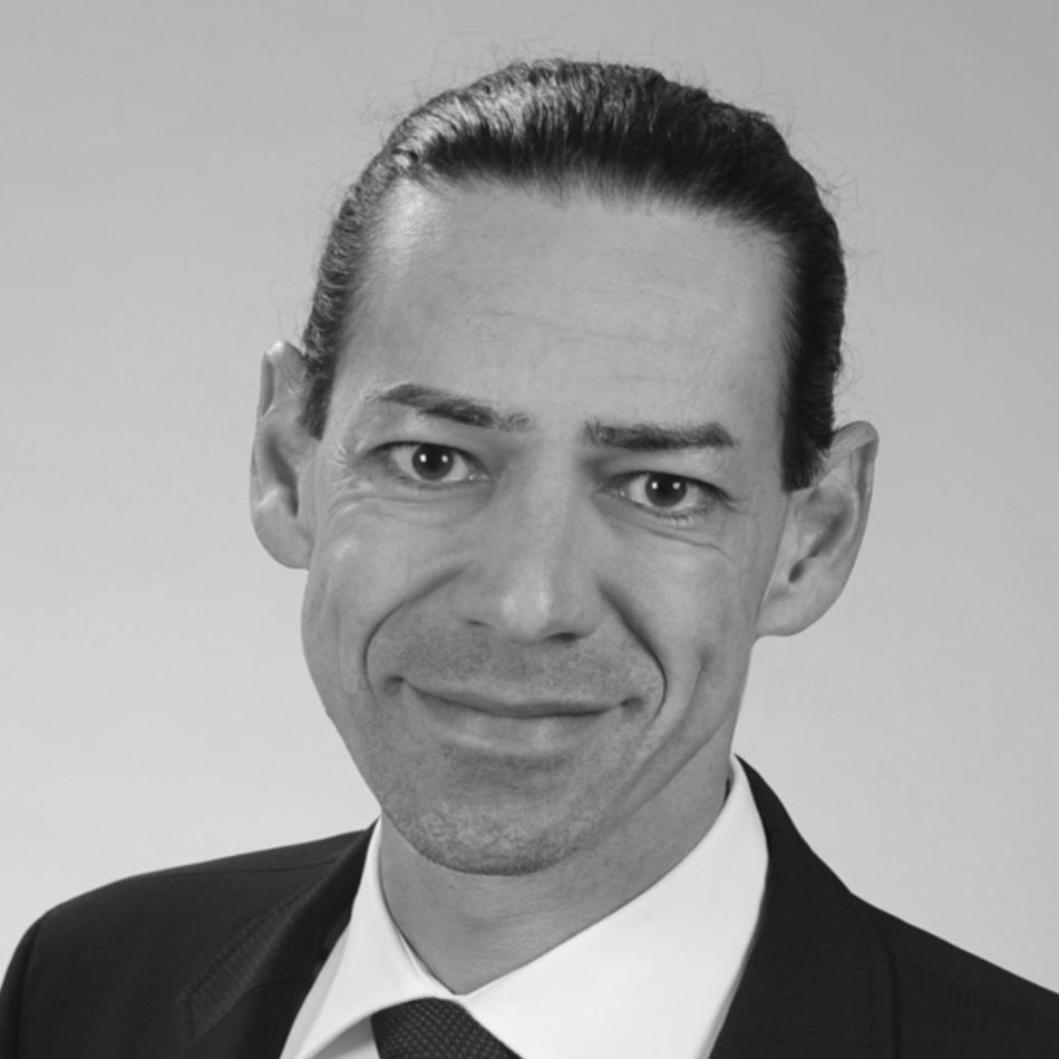 DR. UWE EISERMANN